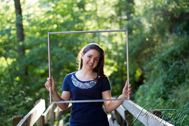 senior picture, woods, dreamy forest, bokeh, picture frame, creative